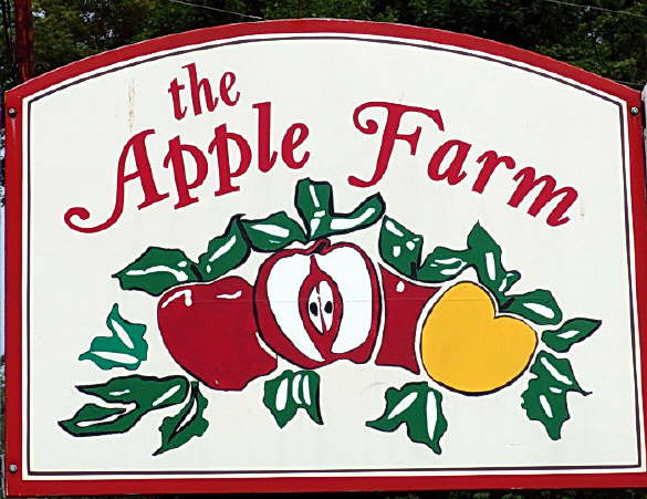 The Apple Farm Sign
